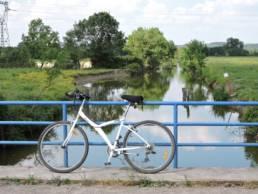 Vélo à côté de l'eau - Baladavél'eau
